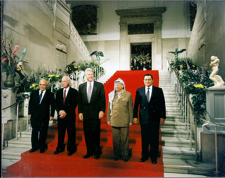 President Bill Clinton with World leaders.  Professional Image Photography by John Drew.