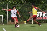 SAO PAULO, 04 DE MARCO DE 2013 - TREINO SAO PAULO - O jogador Aloisio durante treino no CT da Barra Funda, regiao oeste da capital, na tarde desta segunda feira, 04. (FOTO: ALEXANDRE MOREIRA / BRAZIL PHOTO PRESS)