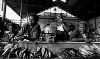 Beira / Mozambique 1993.Out door market..Photo Livio Senigalliesi
