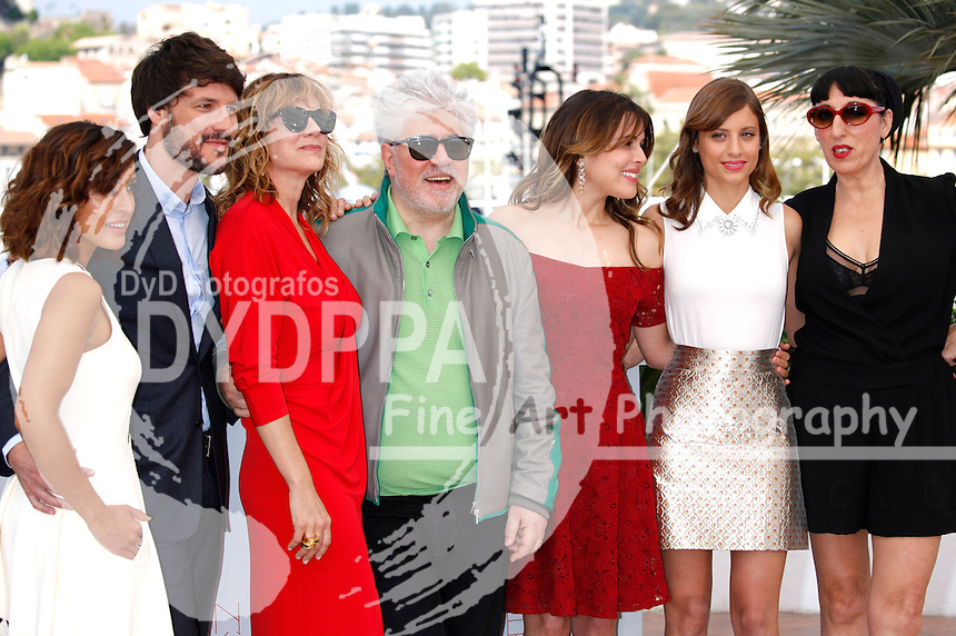 Inma Cuesta, Daniel Grao, Emma Suarez, Pedro Almodovar, Adriana Ugarte, Michelle Jenner and Rossy De Palma at the 'Julieta' photocall during the 69th Cannes Film Festival at the Palais des Festivals on May 17, 2016