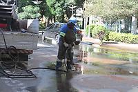 CAMPINAS, SP 28.03.2018 - OBRAS-Um vazamento de água interditou, na manhã desta quarta-feira (28) duas faixas da Avenida Júlio de Mesquita, no Cambuí. O bloqueio ocorre no cruzamento com a Rua General Osório, próximo ao Centro de Convivência Cultural. (Foto: Denny Cesare/Codigo19)