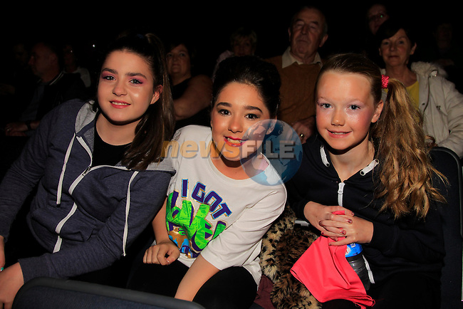 Diana Downey Louise McDonald and Annmarie Campbell at the Simpson Stage School Frightnight<br /> Picture: www.newsfile.ie