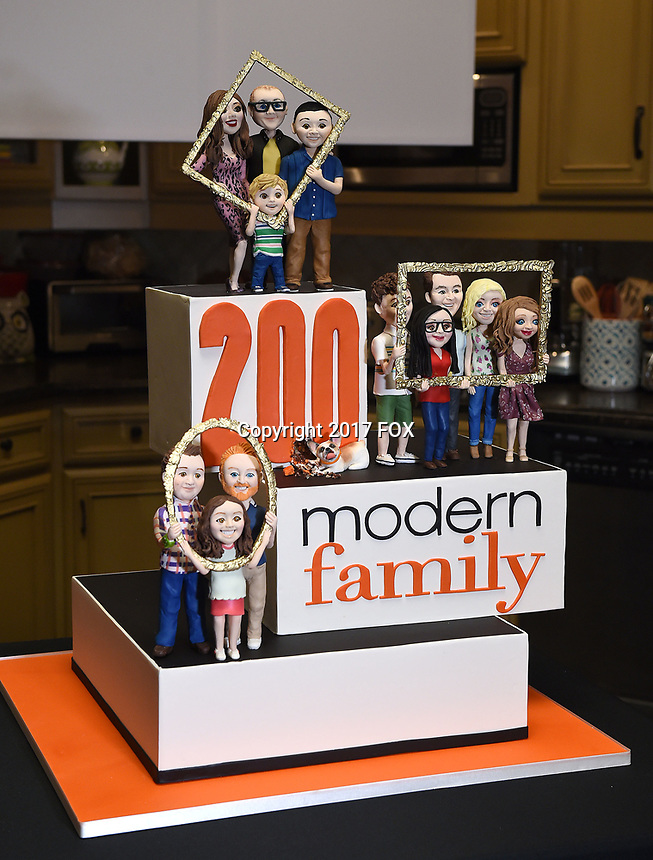 LOS ANGELES - NOVEMBER 15: The cake created by The Butter End at Modern Family's 200th episode at the Fox Studio Lot on November 15, 2017 in Los Angeles, California. (Photo by Frank Micelotta/Fox/PictureGroup)