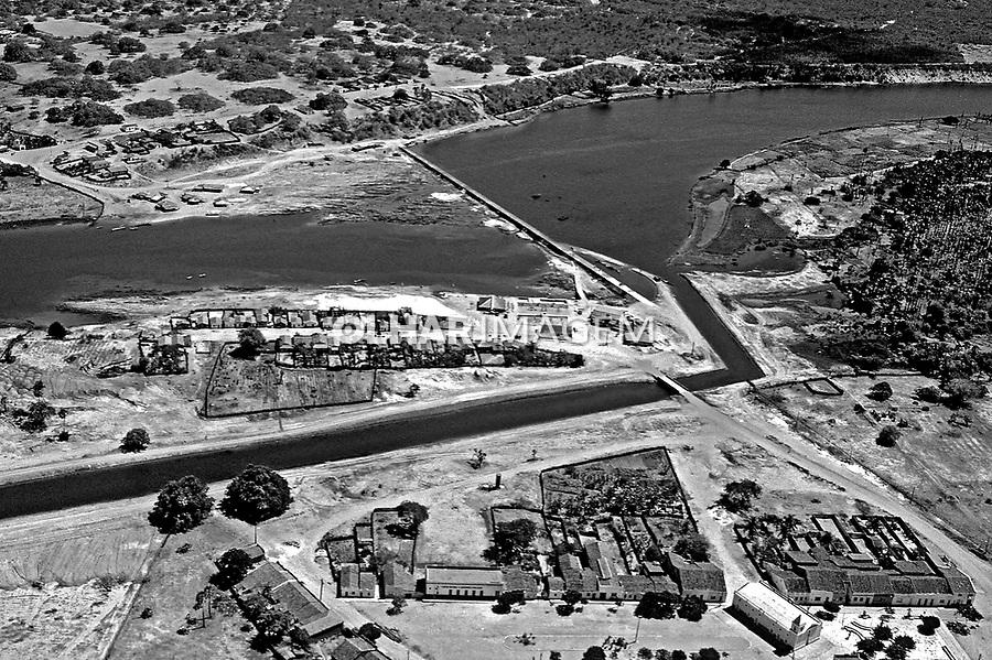 Aérea do Rio Jaguaribe, Ceará. 1993. Foto de Juca Martins.