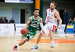 S&ouml;dert&auml;lje 2015-04-10 Basket SM-Semifinal 5 S&ouml;dert&auml;lje Kings - Sundsvall Dragons :  <br /> S&ouml;dert&auml;lje Kings John Roberson i kamp om bollen med Sundsvall Dragons Hlynur Baeringsson under matchen mellan S&ouml;dert&auml;lje Kings och Sundsvall Dragons <br /> (Foto: Kenta J&ouml;nsson) Nyckelord:  S&ouml;dert&auml;lje Kings SBBK T&auml;ljehallen Sundsvall Dragons