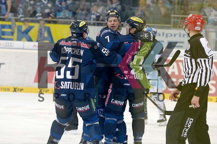 ERC Ingolstadt - Augsburg Panther<br /> Ingolstadts Brian Lebler (Nr.7) mit dem Jubel nach seinem Treffer zum 1:1, Ingolstadts Patrick Koeppchen (Nr.55) und Ingolstadts Thomas Pielmeier (Nr.50) freuen sich mit beim Spiel in der DEL ERC Ingolstadt - Augsburger Panther.<br /> <br /> Foto &copy; PIX-Sportfotos *** Foto ist honorarpflichtig! *** Auf Anfrage in hoeherer Qualitaet/Aufloesung. Belegexemplar erbeten. Veroeffentlichung ausschliesslich fuer journalistisch-publizistische Zwecke. For editorial use only.