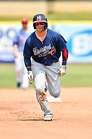 Mississippi Braves center fielder Michael Reed (28) runs to third base during a game against the Tennessee Smokies at Smokies Stadium on May 20, 2018 in Kodak, Tennessee. The Braves defeated the Smokies 7-4. (Tony Farlow/Four Seam Images)