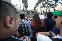 SAO PAULO, SP 18 JUNHO 2013 - MANIFESTACAO CONTRA AUMENTO TARIFA - Manifestação Contra o aumento da tarifa do ônibus cria o sexto protestom desta vez os manifestantes se reuniram em frente a Catedral da Sé, no centro da capitall. FOTO: PAULO FISCHER/BRAZIL PHOTO PRESS.