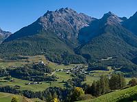 Inntal bei Tarasp, Scuol, Unterengadin, Graubünden, Schweiz, Europa<br /> River Inn Valley near Tarasp, Scuol, Engadine, Grisons, Switzerland