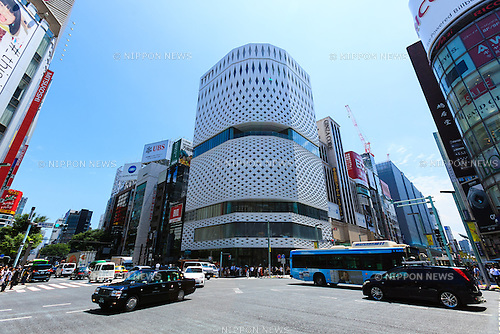 A general view of Ginza Place under construction in Ginza shopping area on June 17, 2016, Tokyo, Japan. Set in an upscale shopping area, the 11-story Ginza Place shopping complex will feature stores and restaurants along with the Nissan showroom. It will also temporarily house the Sony showroom after Sony Plaza closes in March 2017. (Photo by Rodrigo Reyes Marin/AFLO)