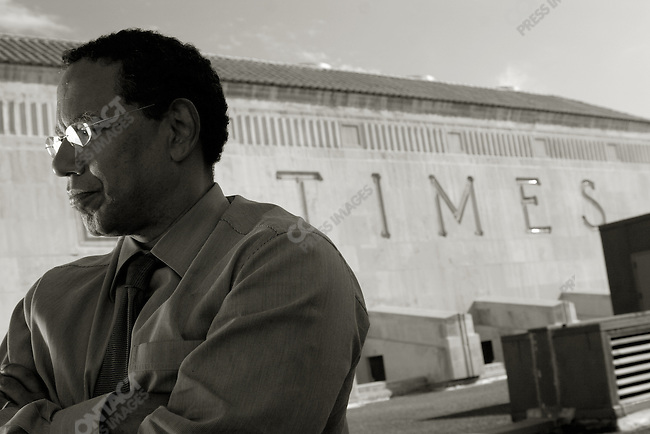 Los Angeles Times Editor Dean Baquet, on the roof of the LA Times building in downtown Los Angeles. September 26, 2005. Los Angeles CA, USA.