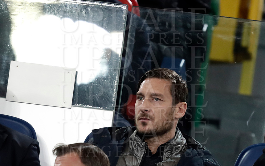 Calcio, Serie A: AS Roma - Atalanta, Roma, stadio Olimpico, 6 gennaio 2018.<br /> AS Roma's former captain Francesco Totti waits for the start of the Italian Serie A football match between AS Roma and Atalanta at Rome's Olympic stadium, January 6 2018.<br /> UPDATE IMAGES PRESS/Isabella Bonotto