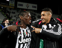 Calcio, Serie A: Fiorentina vs Juventus. Firenze, stadio Artemio Franchi, 24 aprile 2016.<br /> Juventus&rsquo; Paul Pogba, left, and Roberto Pereyra celebrate at the end of the Italian Serie A football match between Fiorentina and Juventus at Florence's Artemio Franchi stadium, 24 April 2016. Juventus won 2-1.<br /> UPDATE IMAGES PRESS/Isabella Bonotto