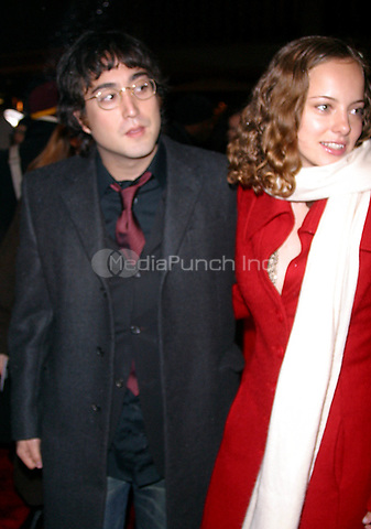 SEAN LENNON_BIJOU PHILLIPS<br /> K27928JBB             SD1205 <br /> THE WORLD PREMIERE OF THE LORD OF THE RINGS THE TWO TOWERS AT THE ZIEGFELD THEATRE IN NEW YORK CITY <br /> PHOTO BY:J John Barrett/ PHOTOlink.net/ MediaPunch ©2002