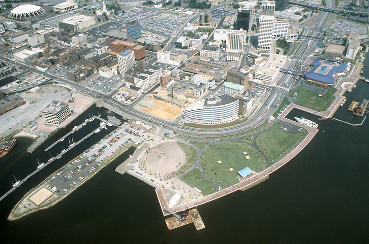 1983 JULY ..Redevelopment.Downtown West (A-1-6)..LOOKING  NORTHEAST.TOWN POINT PARK..NEG#.NRHA#..