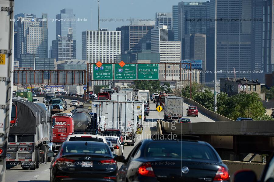 USA Chicago, Highway near downtown / Autobahn und Stadtzentrum mit Hochhaeusern
