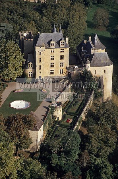 Europe/France/Aquitaine/24/Dordogne/Vallée de la Dordogne/Périgord/Périgord Noir: Le Château de Fayrac (XVème)   Vue aérienne