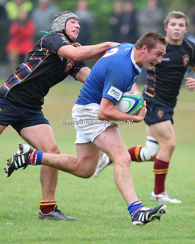 King's College 1st XV v SBHS 1st XV preseason rugby match, Southland Boys High School, Invercargill, New Zealand, Tuesday, April 16, 2013. Credit:NINZ / Dianne Manson