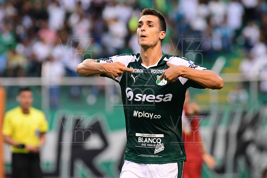 PALMIRA - COLOMBIA, 27-04-2019: Juan Ignacio Dinenno del Cali celebra después de anotar el primer gol de su equipo durante partido por la fecha 18 de la Liga Águila I 2019 entre Deportivo Cali y Rionegro Águilas jugado en el estadio Deportivo Cali de la ciudad de Palmira. / Juan Ignacio Dinenno of Cali celebrates after scoring the first goal of his team during match for the date 16 as part Aguila League I 2019 between Deportivo Cali and Rionegro Aguilas played at Deportivo Cali stadium in Palmira city.  Photo: VizzorImage / Nelson Rios / Cont