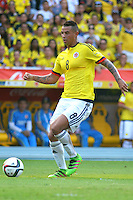 BARRANQUILLA - COLOMBIA -29-03-2016: Edwin Cardona jugador de Colombia en acción durante partido con Ecuador de la fecha 6 para la clasificación sudamericana a la Copa Mundial de la FIFA Rusia 2018 jugado en el estadio Metropolitano Roberto Melendez en Barranquilla./ Edwin Cardona (L) player of Colombia in action during the match against Ecuador of the date 6 for the qualifier to FIFA World Cup Russia 2018 played at Metropolitan stadium Roberto Melendez in Barranquilla. Photo: VizzorImage / Alfonso Cervantes / Cont