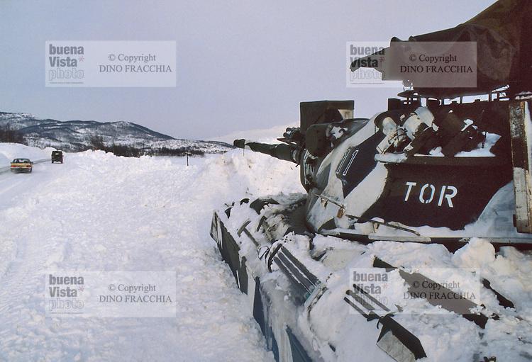- Norwegian army, M 60 tank during exercises of NATO Mobile Force of ready intervention (AMF) ....- esercito norvegese, carro armato M 60 durante esercitazioni della Forza Mobile NATO di pronto intervento (AMF)