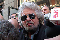 Beppe Grillo.Roma 04/03/2013 Hotel Universo. Beppe Grillo esce dall'hotel dopo il vertice del Movimento 5 Stelle e viene presso d'assalto dai media..Beppe Grillo gets out the Universo Hotel after the summit with the new elected fo 'Movimento 5 Stelle' at the last Elections 2013 and he is assaulted by the media..Photo Samantha Zucchi Insidefoto