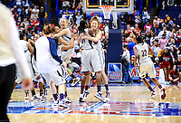 UCONN vs. Louisville compete in the 2009 NCAA Women's National Championship game in St. Louis April 7, 2009.