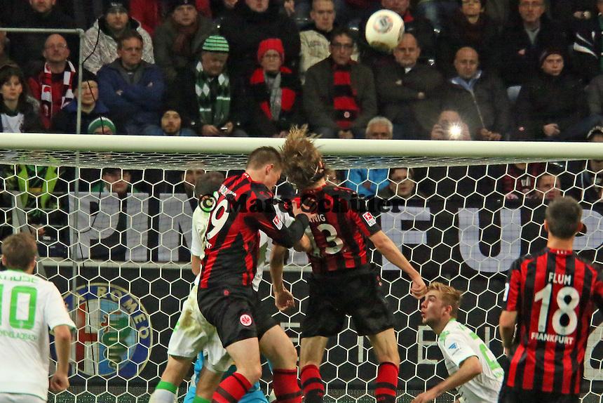 Alexander Madlung und Martin Lanig (Eintracht) behindern sich beim Kopfball gegenseitig - Eintracht Franfurt vs. Borussia Mönchengladbach, Commerzbank Arena