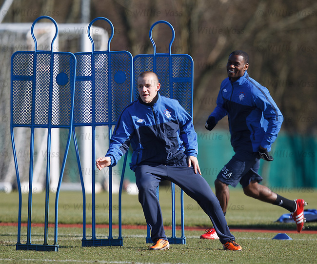 Vladimir Weiss chased by Mo Edu