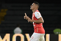 BOGOTÁ -COLOMBIA, 03-12-2016. Yeison Gordillo jugador de Santa Fe celebra después de anotar gol al Medellín durante el encuentro de vuelta entre Independiente Santa Fe y Independiente Medellín por los cuartos de final de la Liga Aguila II 2016 jugado en el estadio Nemesio Camacho El Campin de la ciudad de Bogota.  / Yeison Gordillo player of Santa Fe celebrates after scoring a goal to Medellin during the second legmatch between Independiente Santa Fe and Independiente Medellin for the final quarters of the Liga Aguila II 2016 played at the Nemesio Camacho El Campin Stadium in Bogota city. Photo: VizzorImage/ Gabriel Aponte / Staff