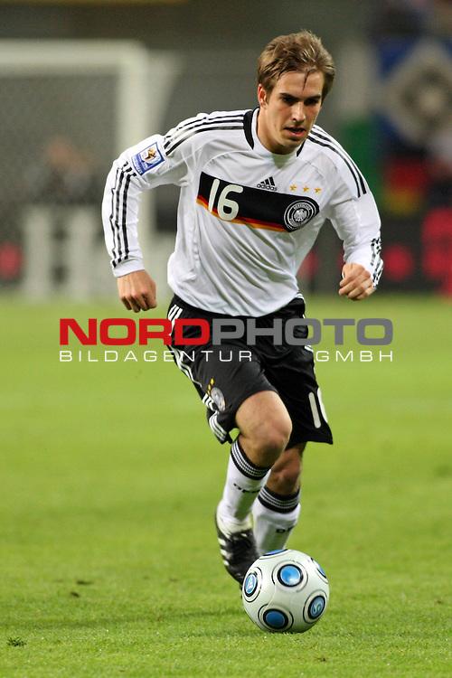 L&permil;nderspiel<br /> WM 2010 Qualifikatonsspiel Qualificationmatch Leipzig 28.03.2009 Zentralstadion Gruppe 4 Group Four <br /> <br /> Deutschland ( GER ) - Liechtenstein ( LIS ) 4:0 (2:0)<br /> <br /> Philipp Lahm (#16 Bayern M&cedil;nchen Deutsche Nationalmannschaft).<br /> <br /> Foto &copy; nph (  nordphoto  )<br />  *** Local Caption ***