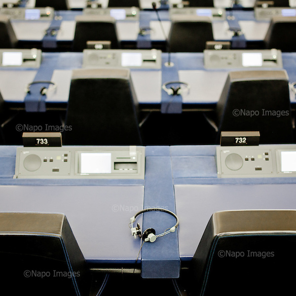 STRASBOURG, FRANCE, NOVEMBER 24, 2014: The main session hall at the European Parliament is waiting for the members of parliament to arrive from Brussels. Every month thousands of parliament's employees travel back and forth between the towns. (Photo by Piotr Malecki / Napo Images)  <br /> STRASBURG, FRANCJA, 24/11/2014: Glowna sala obrad w parlamencie europejskim czeka na przybycie parlamentarzystow z Brukseli. Kazdego miesiaca tysiace pracownikow parlamentu i parlamentarzystow podrozuje miedzy siedzibami w Brukseli, Strasburgu i Luksemburgu. Fot: Piotr Malecki / Napo Images