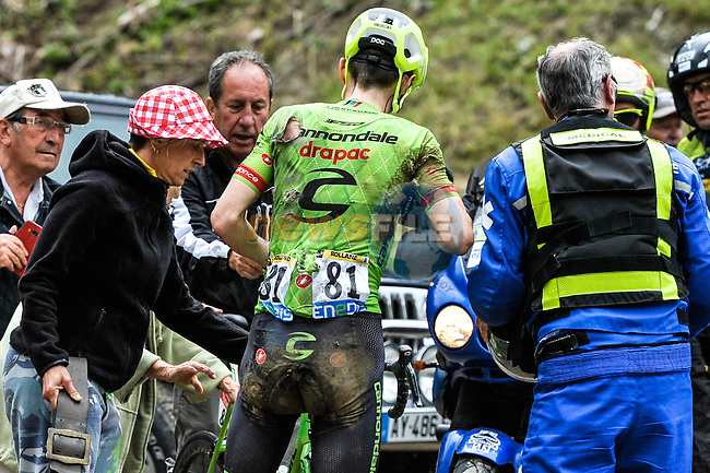 Pierre Rolland (FRA) Cannondale-Drapac crashes on the slippery descent off Mont&eacute;e de Bisanne during Stage 19 of the 2016 Tour de France running 146km from Albertville to Saint-Gervais Mont Blanc, France. 22nd July 2016.<br /> Picture: ASO/P.Ballet   Newsfile<br /> <br /> <br /> All photos usage must carry mandatory copyright credit (&copy; Newsfile   ASO/P.Ballet)