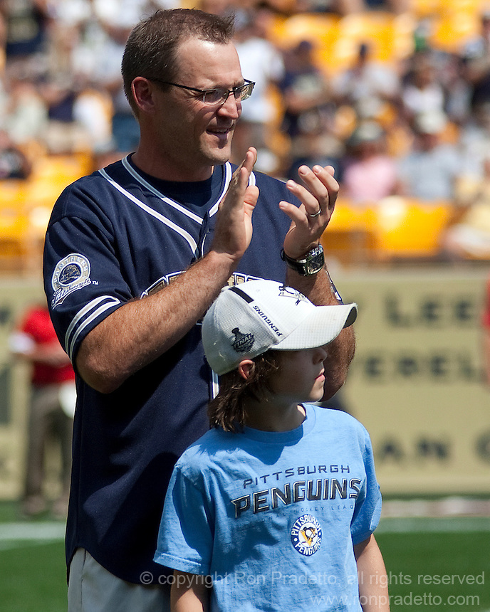 Pittsburgh Penguins head coach Dan Bylsma. The Pittsburgh Panthers defeated the Youngstown State Penguins 38-3 at Heinz Field on September 5, 2009.