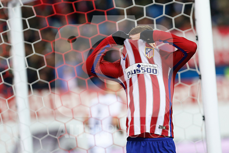 Atletico de Madrid´s Antoine Griezmann reacts after missing a goal chance during 2015-16 La Liga match between Atletico de Madrid and Deportivo de la Coruna at Vicente Calderon stadium in Madrid, Spain. March 12, 2016. (ALTERPHOTOS/Victor Blanco)