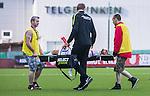 S&ouml;dert&auml;lje 2015-08-01 Fotboll Superettan Assyriska FF - &Ouml;stersunds FK :  <br /> Assyriskas Mattias Genc b&auml;rs av planen p&aring; b&aring;r efter en skada under matchen mellan Assyriska FF och &Ouml;stersunds FK <br /> (Foto: Kenta J&ouml;nsson) Nyckelord:  Assyriska AFF S&ouml;dert&auml;lje Fotbollsarena Superettan &Ouml;stersund &Ouml;FK skada skadan ont sm&auml;rta injury pain