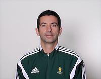FUSSBALL Fototermin FIFA WM Schiedsrichterassistenten 09.04.2014 Tarik ONGUN (Tuerkei)