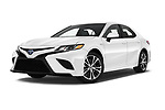 Stock pictures of low aggressive front three quarter view of a 2018 Toyota Camry Hybrid SE 4 Door Sedan