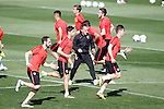Atletico de Madrid's players with the trainer Oscar El Profe Ortega during training session. April 26,2016.(ALTERPHOTOS/Acero)