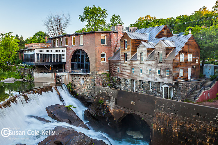 Falls on the Ottaquechee River in Quechee village, Hartford, VT, USA
