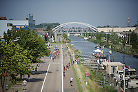 feed zone next to the canal<br /> <br /> GP Jef Scherens 2015