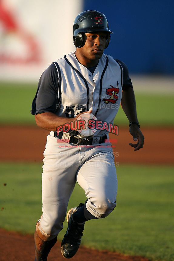 August 31, 2009:  Center Fielder Evan Chambers of the State College Spikes during a game at Frontier Field in Rochester, NY.  State College is the NY-Penn League affiliate of the Pittsburgh Pirates.  Photo By Mike Janes/Four Seam Images