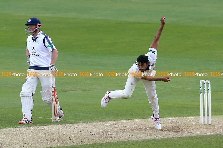 Ravi Bopara in bowling action for Essex during Essex CCC vs Hampshire CCC, Specsavers County Championship Division 1 Cricket at The Cloudfm County Ground on 21st May 2017
