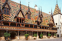 Europe/France/Bourgogne/21/Côte d'Or/Beaune : Les Hospices de Beaune - La cour d'honneur de l'Hotel Dieu [Non destiné à un usage publicitaire - Not intended for an advertising use]