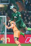 13.01.2018, Weser Stadion, Bremen, GER, 1.FBL, Werder Bremen vs TSG 1899 Hoffenheim, im Bild<br /> Ishak Belfodil (Werder #29)<br /> Benjamin H&uuml;bner / Huebner (1899 Hoffenheim #21)<br /> <br /> Foto &copy; nordphoto / Kokenge