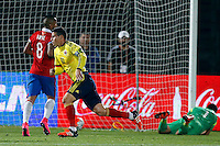 SANTIAGO DE CHILE- CHILE-12-11-2015: James Rodriguez (Cent.) jugador de Colombia, celebra el gol anotado a Chile, durante partido de la fecha 3 válido por la clasificación a la Copa Mundo FIFA 2018 Rusia jugado en el Estadio Nacional Julio Martinez de la ciudad de Santiago de Chile. /  James Rodriguez (C) player of Colombia celebrates a scored goal to Chile, during match for the date 3 valid for the 2018 FIFA World Cup Russia Qualifier played at Julio Martinez Nacional Stadium in Santiago de Chile city. Photo: VizzorImage / Marcelo Hernandez/Photosport / Cont.