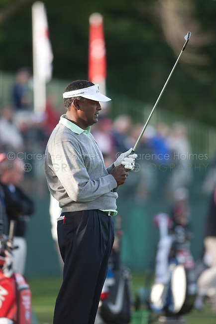 FARMINGDALE, NY - JUNE 16:  Vijay Singh on the practice tee prior to his practice round on Tuesday, June 16, 2009 for the USGA US Open Championship, beginning on Thursday, on the Black course at Bethpage State Park in Farmingdale (Long Island), New York.