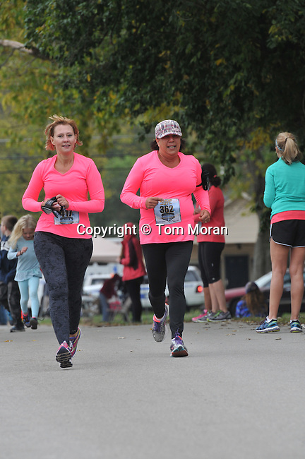 2014 Iron Horse Half Marathon<br /> Midway, Kentucky October 12<br /> Photo by Tom Moran<br /> <br /> To download complimentary Small or Medium size files, use the password &quot; john 35 &quot;. Larger size digital files and prints are available for purchase. You do not need a Photoshelter or PayPal account but the ordering process is streamlined if you have them.
