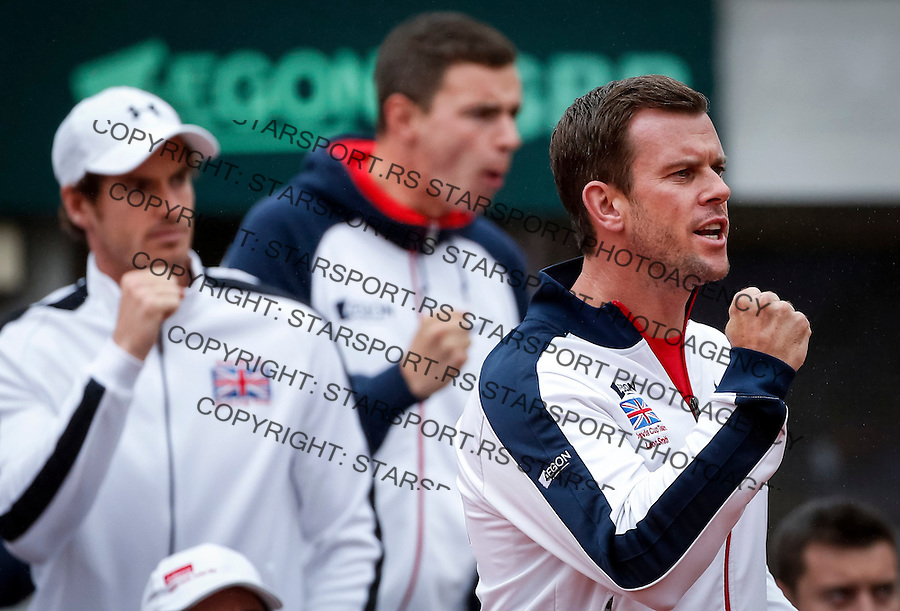 BELGRADE, SERBIA - JULY 17: Team captain Leon Smith (R) and Andy Maurray (L) cheer Kyle Edmund of Great Britain during day three of the Davis Cup Quarter Final match between Serbia and Great Britain on Stadium Tasmajdan on July 17, 2016 in Belgrade, Serbia. (Photo by Srdjan Stevanovic/Getty Images)