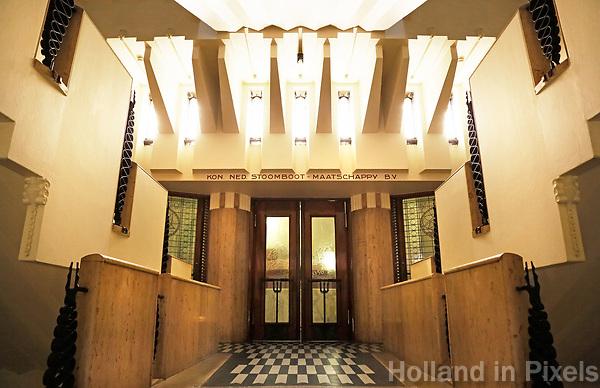 Nederland  Amsterdam - 2017.   Open Monumentendag. Het Scheepvaarthuis -  Grand Hotel Amrath. Het Scheepvaarthuis is ontworpen door J.M van der Mey.   Foto Berlinda van Dam / Hollandse Hoogte